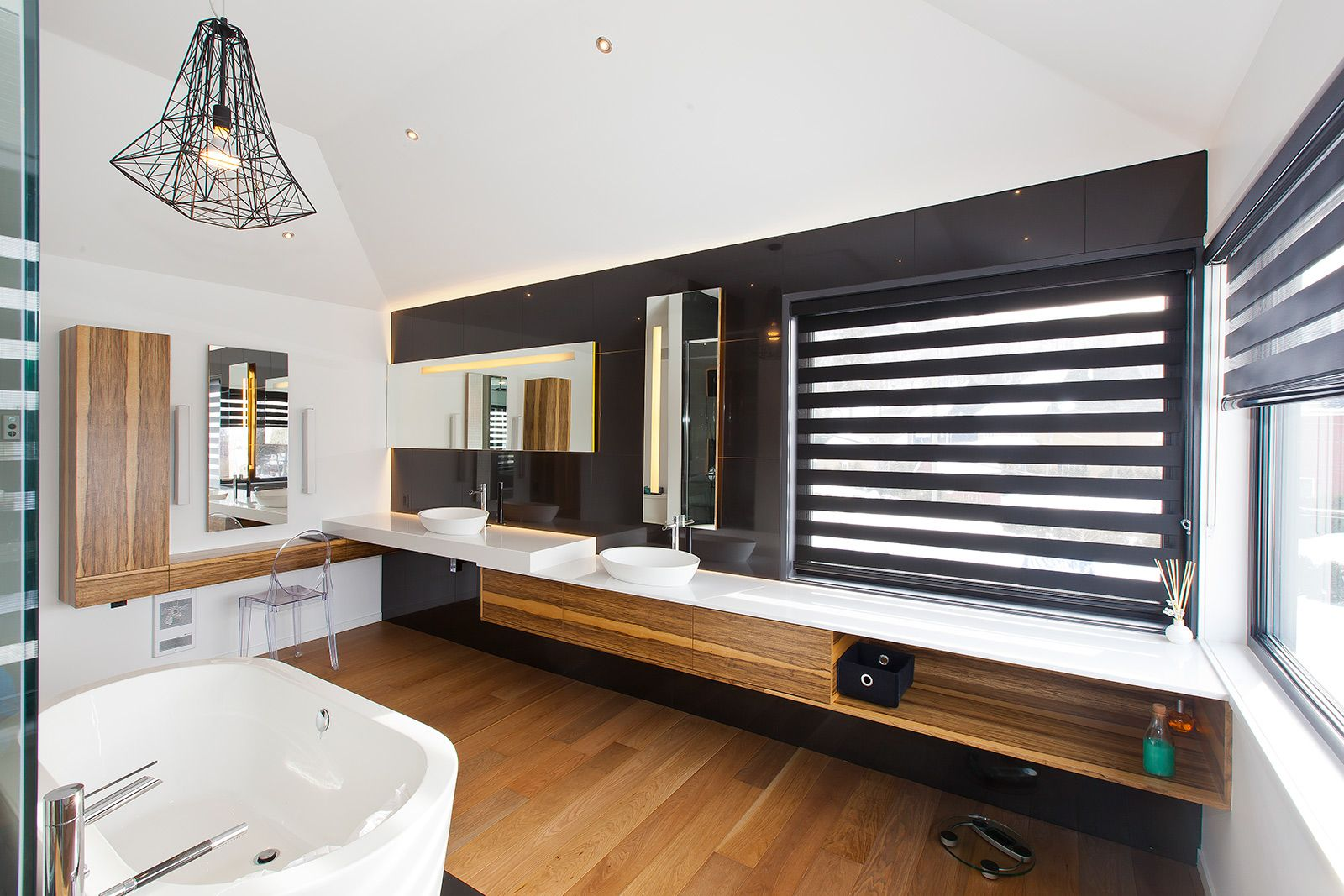 Salle de bains moderne griffe cuisine for Salle de bain familiale