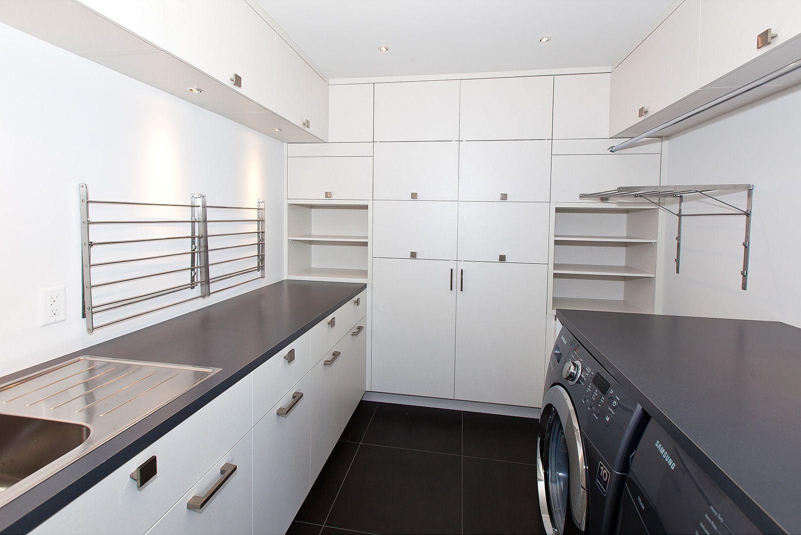 Salle de lavage moderne griffe cuisine for Salle de bain fonctionnelle