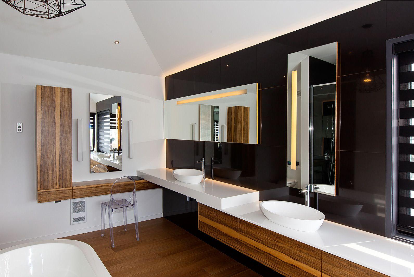 Salle de bains moderne griffe cuisine for Mobilier salle de bain bois exotique