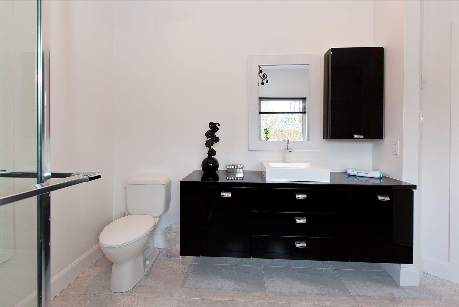 Salle de bains moderne griffe cuisine for Manon leblanc salle de bain