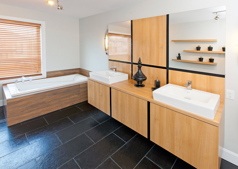 Salle de bains moderne griffe cuisine for Cuisine 5 15