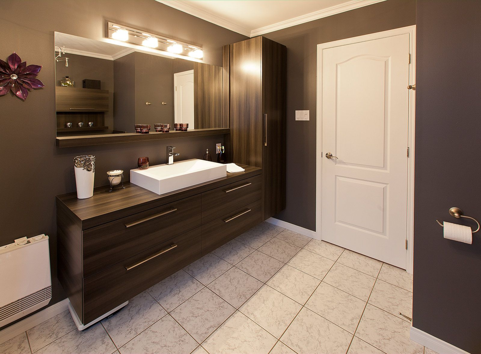 Salle de bains moderne griffe cuisine for Dessus comptoir salle de bain